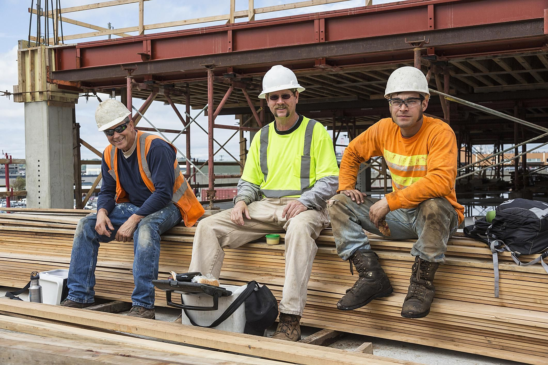 New Study Examines Precarious Working Conditions For Southern Construction  Workers